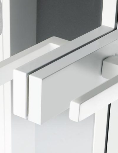 <strong>QUASAR L</strong> | Reflex Grey Glass | White Lacquered Aluminum | Linear